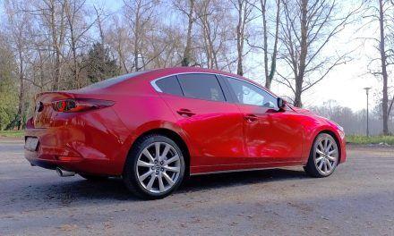 Mazda 3 sedan Skyactiv X